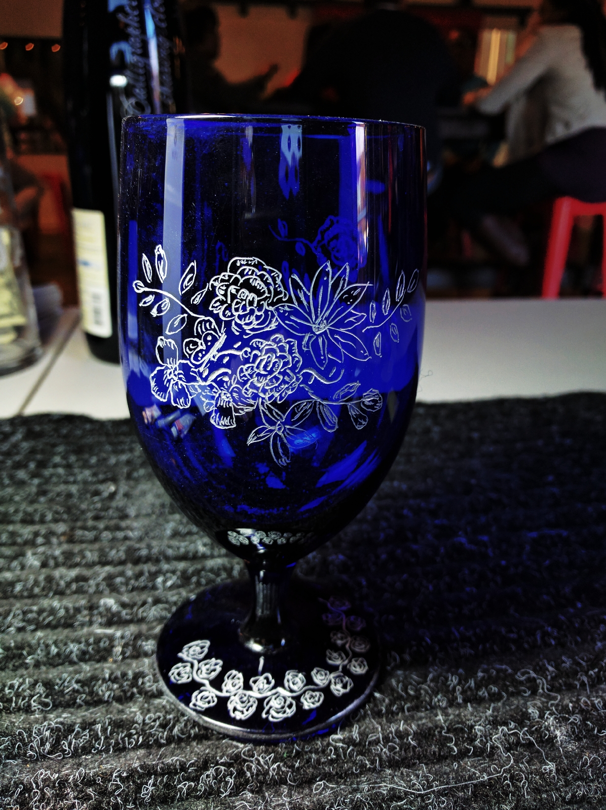 Custom Engraved Wine Glasses Will Wow This Holiday Season
